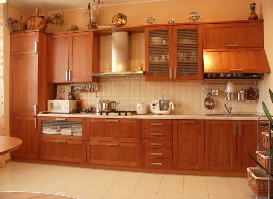 Ремонт кухонных фасадов из массива